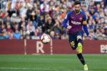 """UFABETWINS คุณคงสังเกตเห็นแล้วว่าไลโอเนลเมสซี่ไม่ได้มีส่วนร่วมในช่วงเวลาเปิดตัวของเกม แต่มีวิธีการเบื้องหลังอัจฉริยะของเขาตามที่ผู้จัดการของบาร์เซโลนา Ernesto Valverde กล่าว  ในคุณสมบัติที่ยอดเยี่ยมเกี่ยวกับวิธีที่บาร์เซโลนาเตรียมความพร้อมสำหรับอนาคตของฟุตบอล 55 ปีซึ่งแทนที่หลุยส์เอ็นริเกเป็นผู้จัดการในปี 2560 อธิบายว่าผู้เล่นของเขาหลายคน """"ตีความการเล่น""""  เขาบอกกับThe Financial Timesว่า """"คุณคิดไม่ออกคุณต้องเล่น"""" เมื่ออยู่ในสนาม แต่เขายอมรับว่าไลโอเนลเมสซี่เป็นข้อยกเว้นสำหรับวิธีการดังกล่าว  เมสซี่มักจะสงวน """"นาทีแรก"""" ของการแข่งขันแต่ละครั้งเพื่อการตีความ  แทนที่จะเข้าไปมีส่วนร่วมในขั้นตอนการเปิดเขาไม่สนใจลูกบอลและตรวจสอบฝ่ายตรงข้ามโดยเดินไปรอบ ๆ พวกเขา  เมสซี่คอยเฝ้าดูทุกขั้นตอนอย่างละเอียดพร้อมรายละเอียดที่พิถีพิถันแก้ไขทุกความเคลื่อนไหวของตำแหน่งฝ่ายค้านในหัวของเขาขณะที่มองเห็นจุดอ่อนในเกม  """" เมื่อเกมก้าวหน้าเขาจะได้รับทีละเล็กทีละน้อย แต่เขารู้ดีว่าจุดอ่อนของคู่แข่งอยู่ตรงไหน """"Valverde กล่าว     ในคุณสมบัติประธานสโมสร Josep Bartomeu พูดเกี่ยวกับวิธีที่ผู้เล่นปฏิเสธ Barca ในอดีตเนื่องจากการแข่งขันที่น่าเหลือเชื่อภายในทีม  ด้วยผู้เล่นอย่าง Lionel Messi, Xavi และ Andres Iniesta ในช่วงหลายปีที่ผ่านมามันยากที่จะบุกเข้าไปใน XI ที่เริ่มต้น:  """"ผู้เล่นทุกคนที่ฉันต้องการลงนามไม่ได้มาที่บาร์เซโลนา""""Bartomeu อธิบาย   """"ฉันมีตัวอย่างที่ฉันไม่สามารถพูดได้ – ผู้เล่นที่สำคัญมากตอนนี้เล่นที่สโมสรอื่น ๆ เราบอกให้พวกเขามาพวกเขาตื่นเต้น แต่ในวินาทีสุดท้ายพวกเขาพูดว่า: 'ฉันไม่สามารถเซ็นเพราะฉันจะอยู่บนม้านั่ง'  """"เราไม่ต้องการให้พวกเขาบางครั้งพวกเขาไม่แข็งแรงพอที่จะพูดว่า: 'คุณต้องการให้ฉันเล่นที่ไหน Xavi กำลังเล่นทำไมคุณต้องการฉันฉันคุณไม่ต้องการให้ฉันเล่นในตำแหน่งของ Lionel Messi? ลาด,'""""  สิ่งหนึ่งที่แน่นอนคือ Barcelona จะไม่สามารถแทนที่ Lionel Messi ในช่วงชีวิตของเรา"""